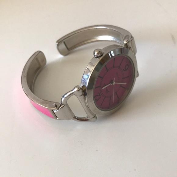 🏕 Pink Watch